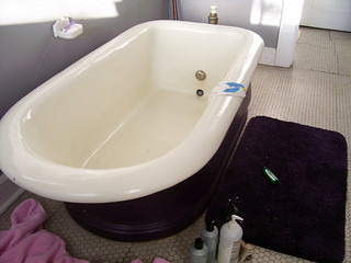 Refinishing a tub can be more affordable than buying a new one. But toxic chemicals can make the job fatal. Photo credit: Jeff Hart on Flick (this bathtub was not involved in the incident described in this post)