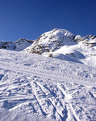 Photo of ski hill