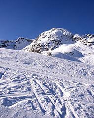 Photo of ski hill